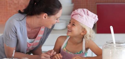 varenie-mama-dcera-pecenie_dreamstime (2)