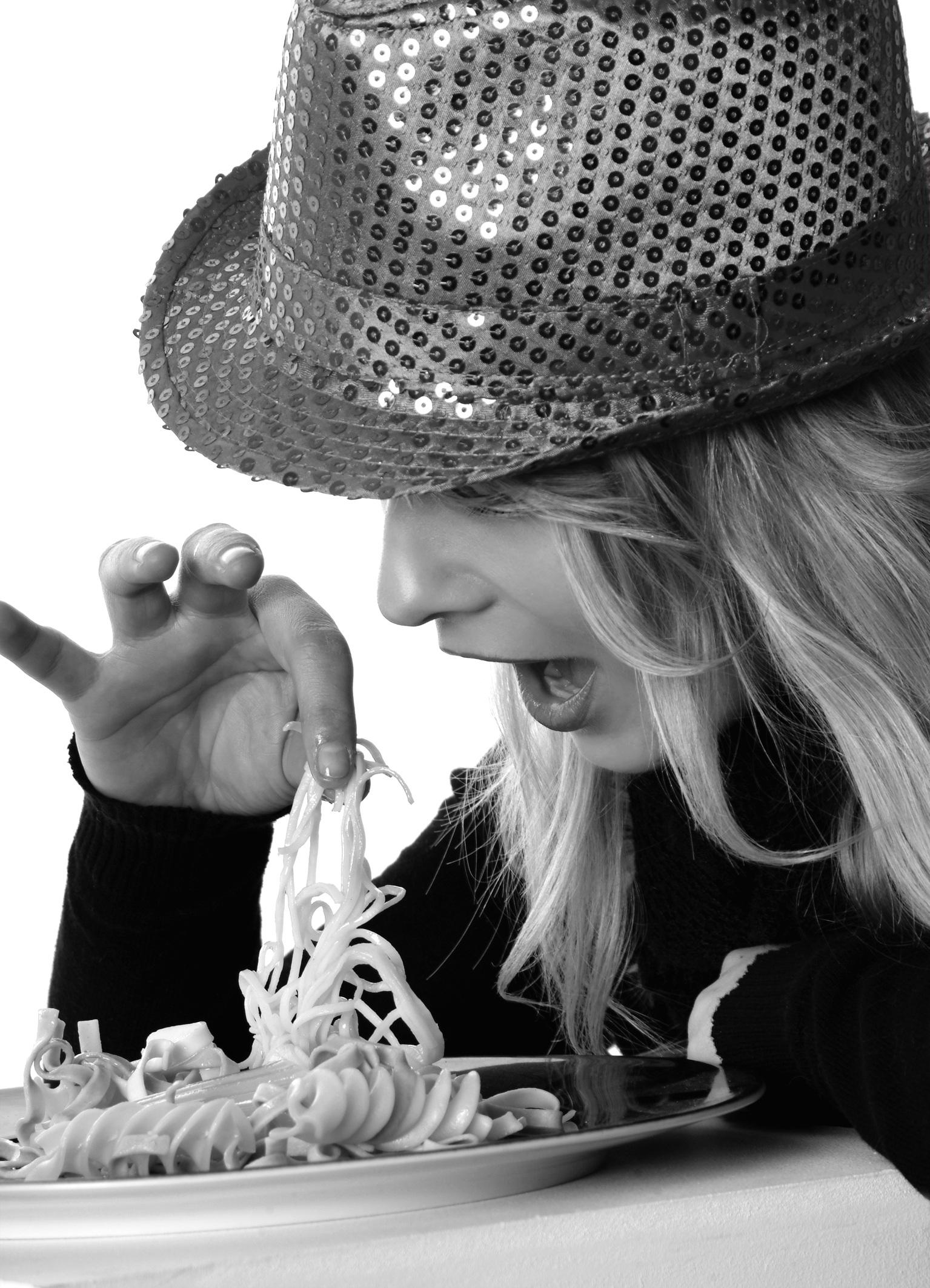girl-eat-finger-food-model-48903
