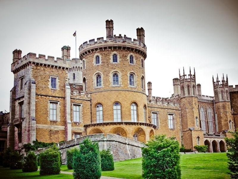 Реально существующие замки, которые «снимались» в кино
