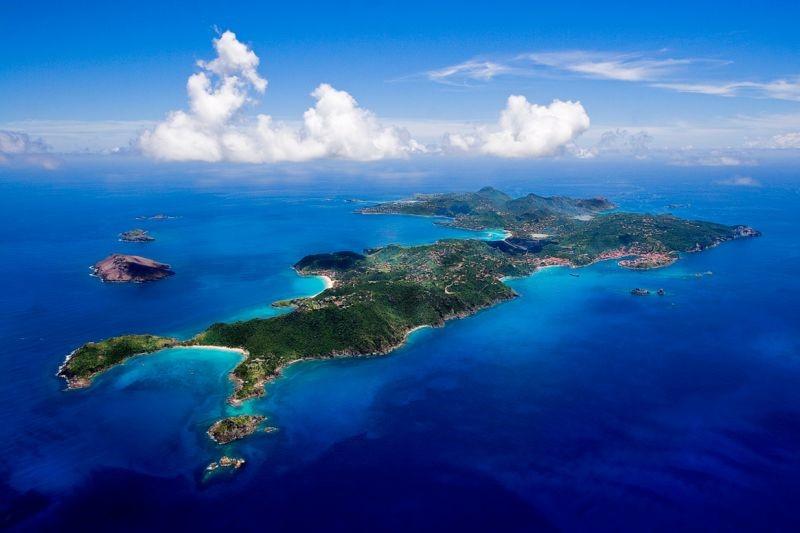 Что происходит на острове миллиардеров