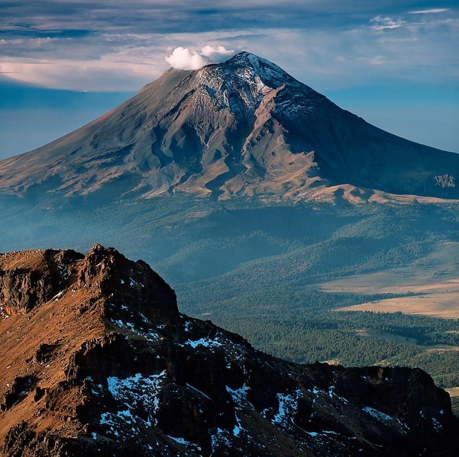 5 опасных вулканов, которые угрожают извержением