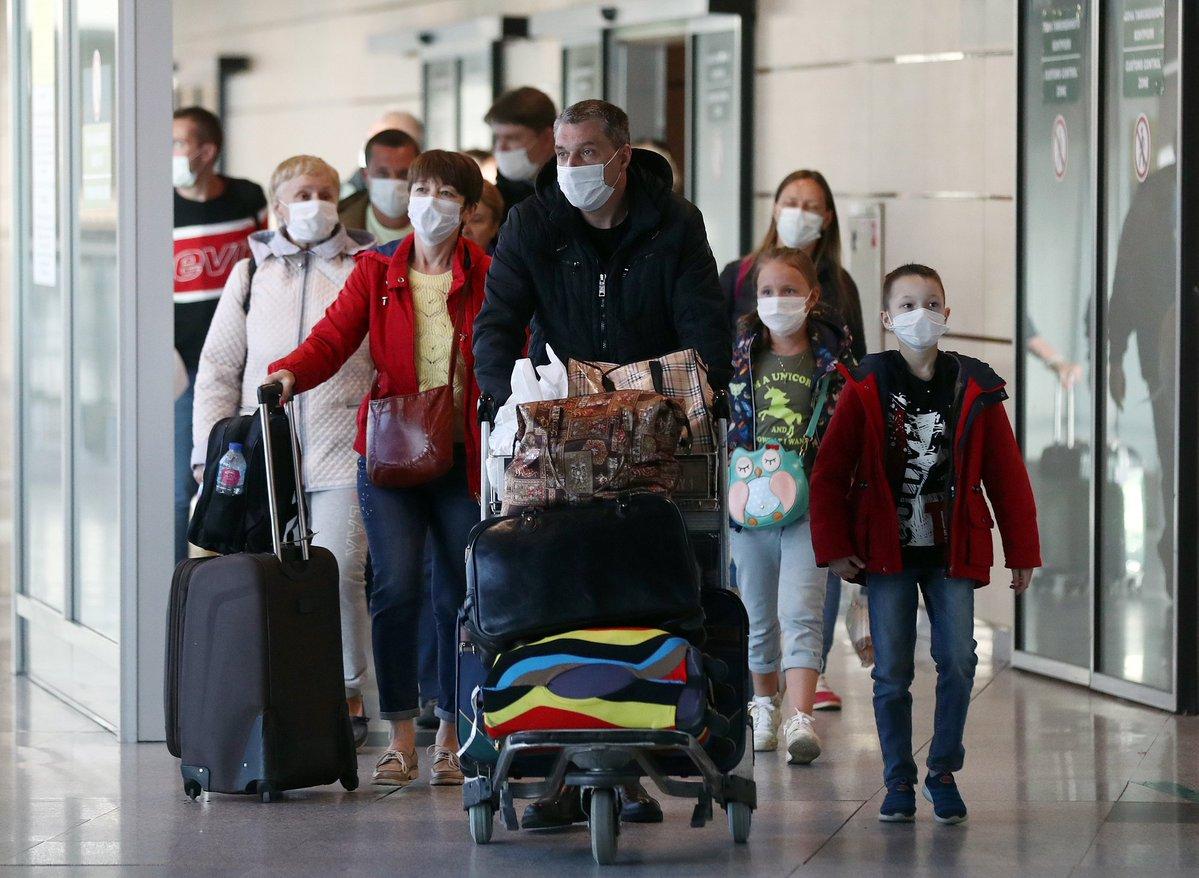 Из-за введенного в Таиланде ЧП тысячи российских туристов оказались заблокированы и не могут вернуться на Родину
