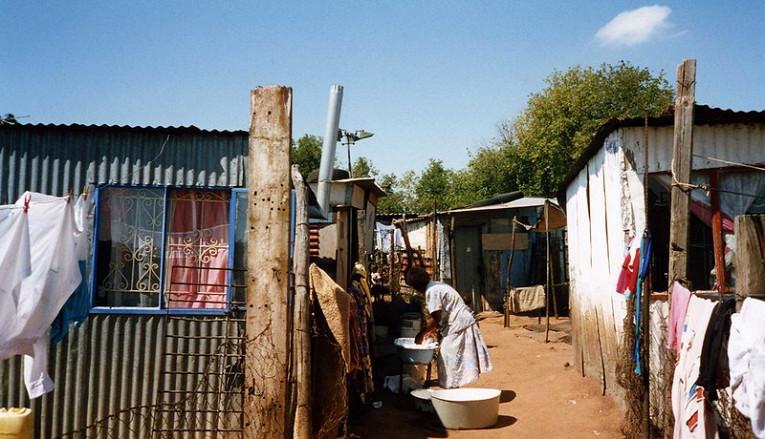 Карантин в ЮАР: блудницы требуют узаконить их деятельность