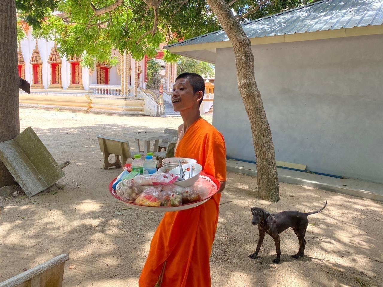 Как застрявших в Таиланде туристов из РФ спас храм