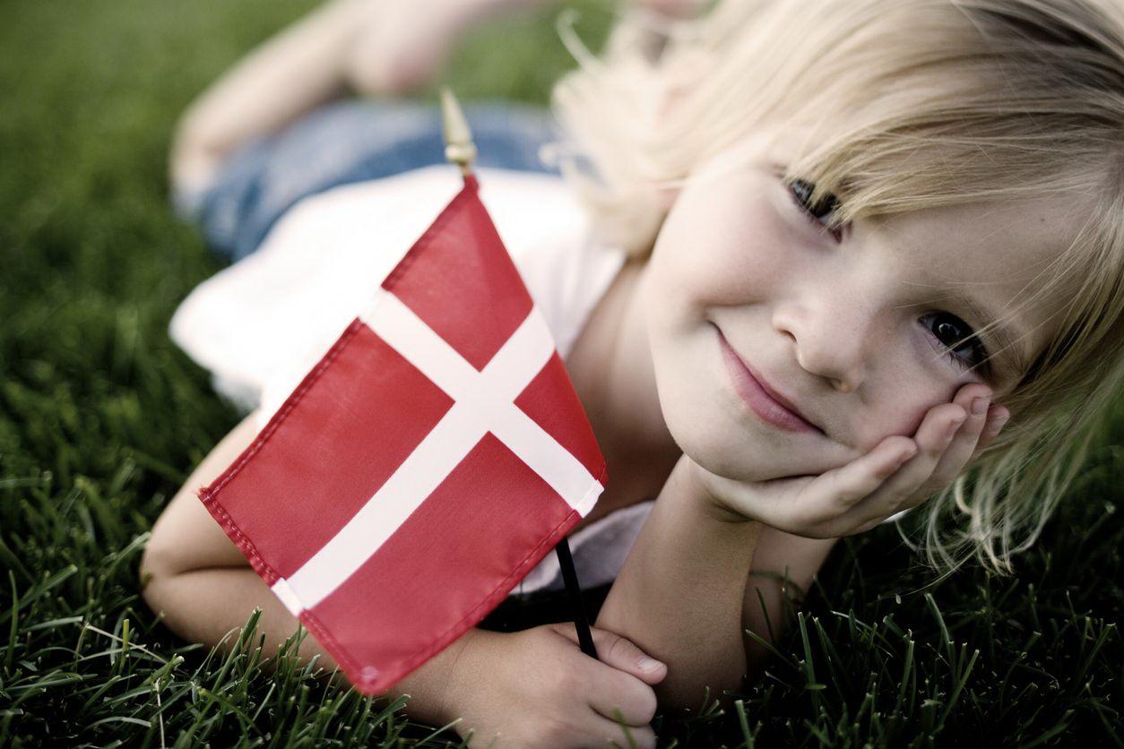 Датские национальные секреты: почему в принято оставлять ребенка в коляске на улице
