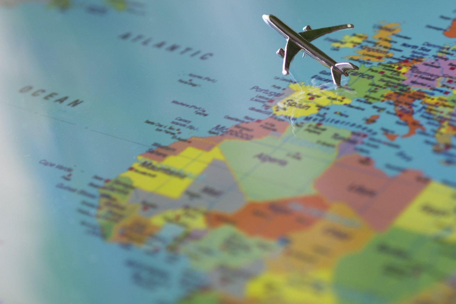 Европа разрешает международный туризм