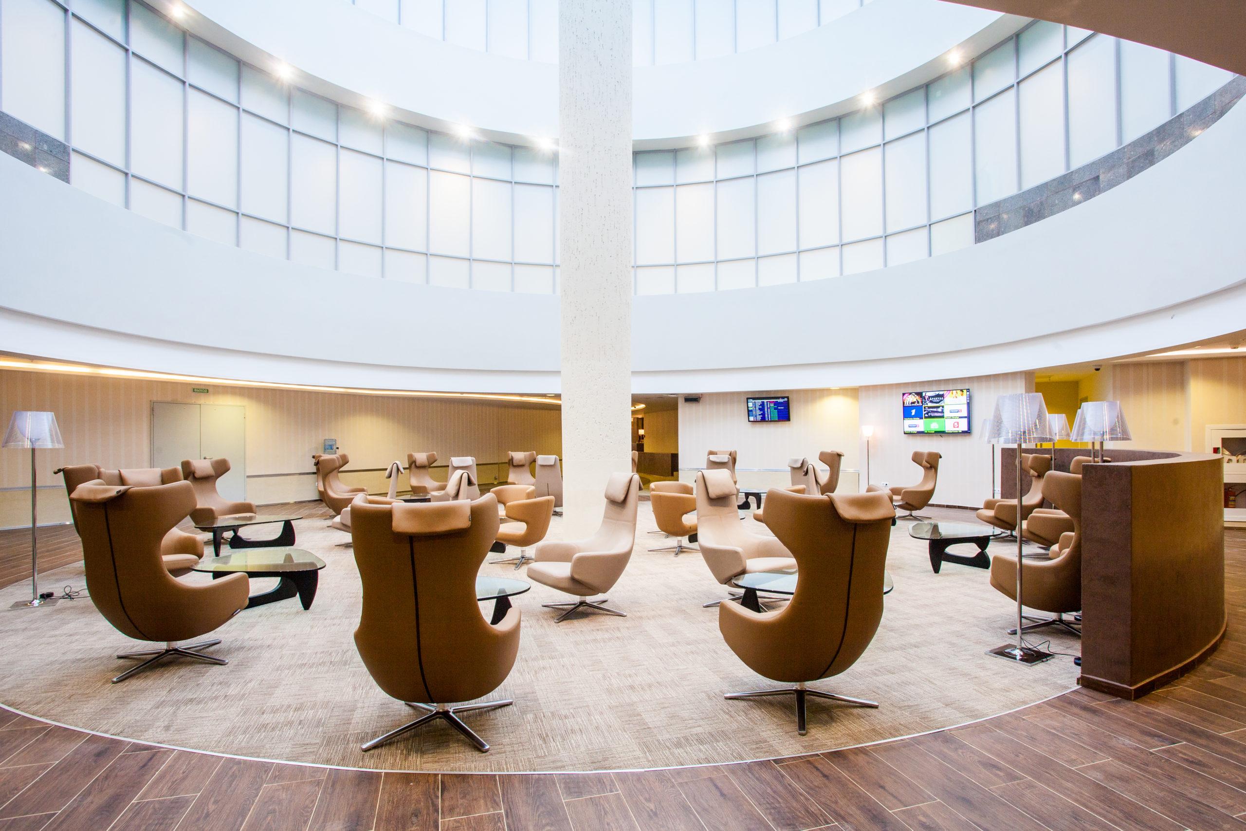 Как попасть в бизнес зал аэропорта бесплатно?