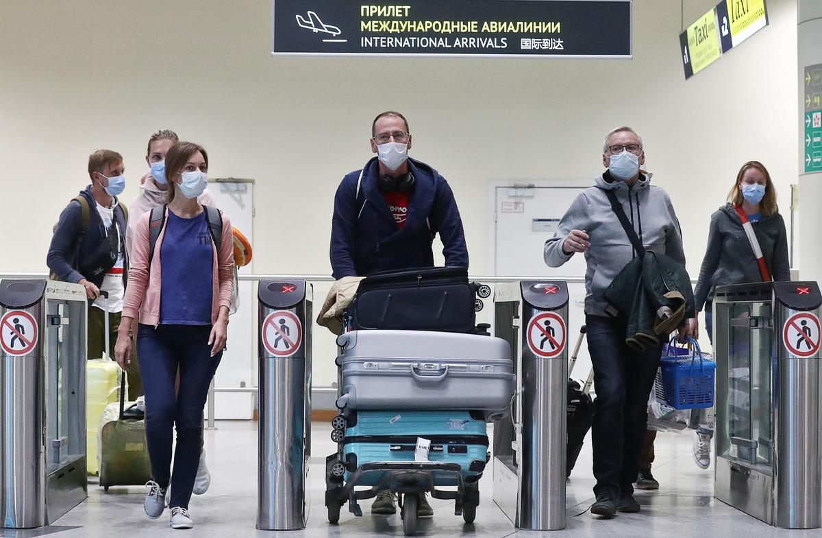 Британцам разрешили отдых за границей. Когда выпустят российских туристов?