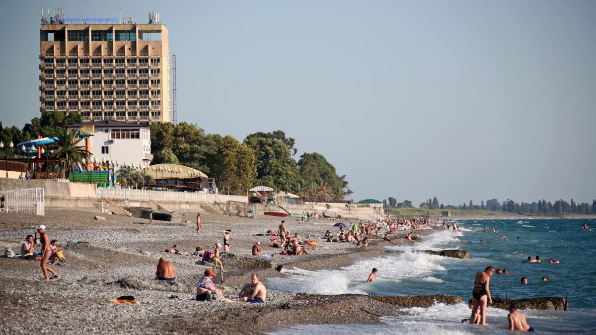 Абхазия повторно вводит ограничительные меры из-за коронавируса