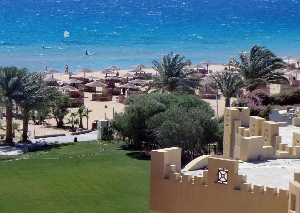 Отдых в феврале на пляже: выгодный туризм в разных странах